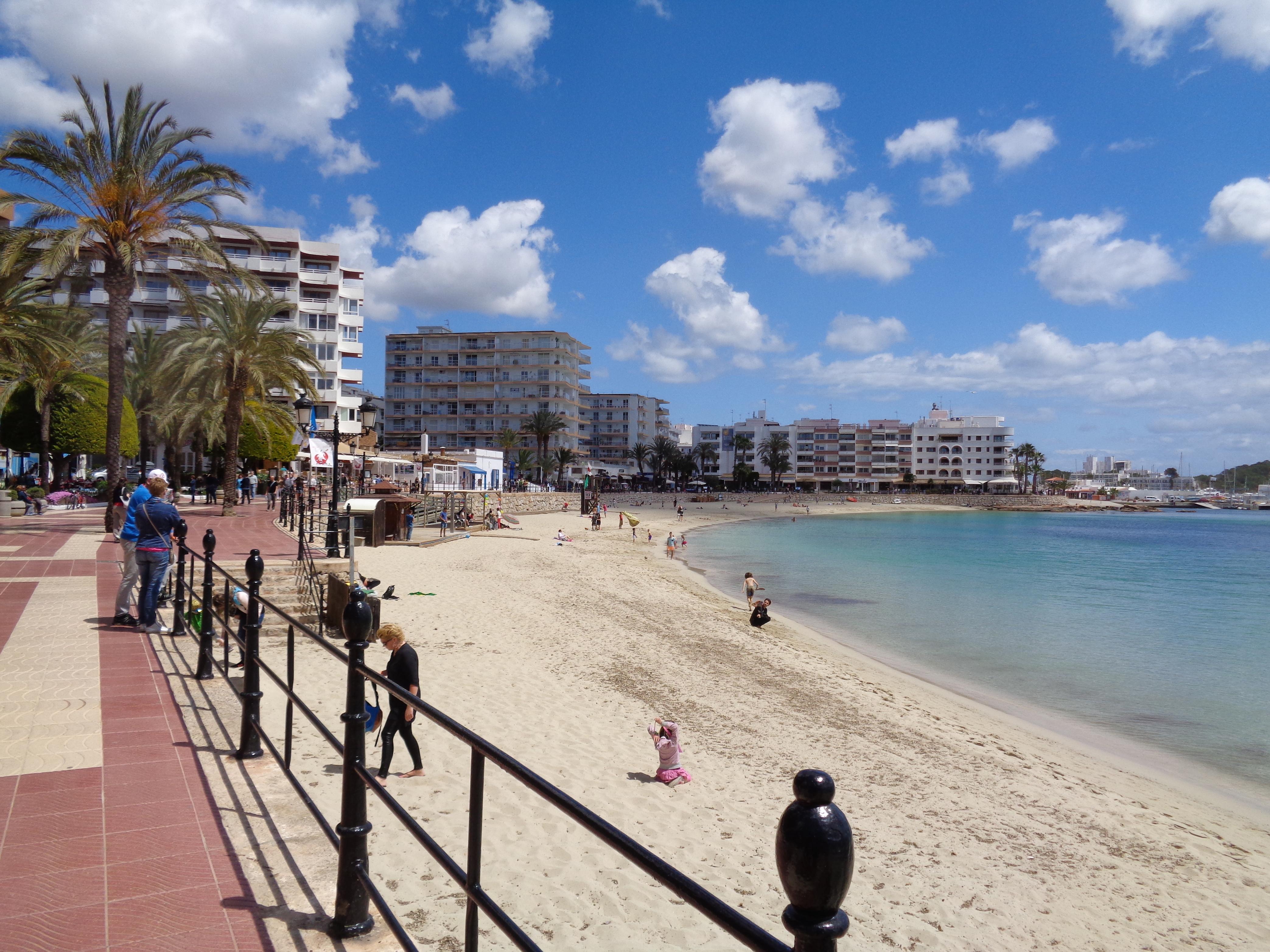 duquesaplaya.com playa de santa eulalia